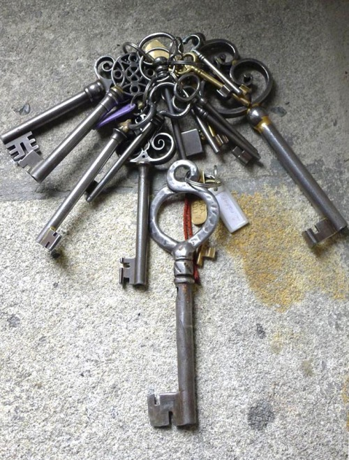 Caretaker's keys to Krivolat Castle